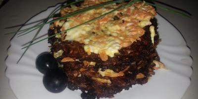 Торт кабачковый, котлеты капустные, салат необычный