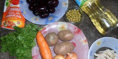 """Традиционный салат """"Сельдь под шубой"""""""