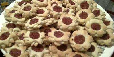 Слоеное печенье с повидлом