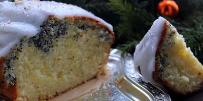 Цитрусовый кекс с маком и сахарной глазурью