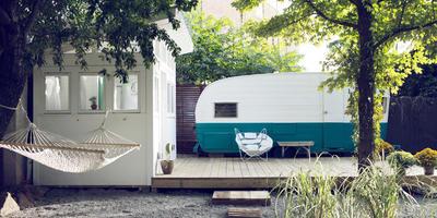 Как живут калифорнийские хиппи — дача из трейлера и бани