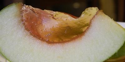 Яблоки с желе и шоколадом