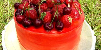 Шоколадный торт с малиновой начинкой - самый вкусный и нежный