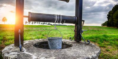 Колодцы и скважины: какие бывают водоносные слои
