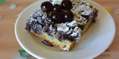 Смородиновый пирог в заливке