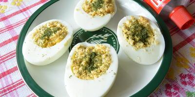 Быстрая закуска: фаршированные яйца