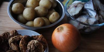 """Картофельная запеканка """"Cеверная"""" c треской и грибами"""