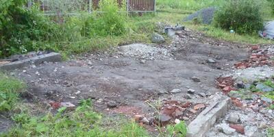 Как обустроить в саду освободившийся после сноса старой постройки участок?