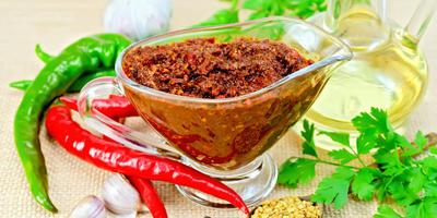Рецепты аджики из овощей и фруктов: остро и вкусно!