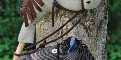 Тпру и но: как сделать лошадку из старого носка