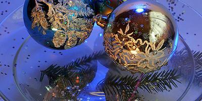 Новогодний шар со снежным узором