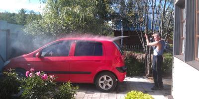 Помыть машину - труд или забава?