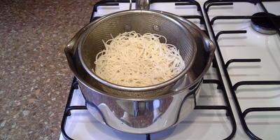Рисовая лапша с кисло-сладким соусом