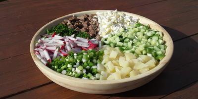 Окрошка мясная на квасе - лучший холодный суп  для жаркого лета
