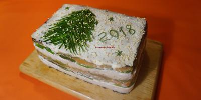 """Новогодний торт суши """"Филадельфия"""""""