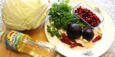 Салат из маринованной капусты