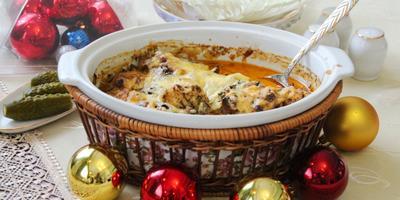 Курочка в сырном соусе с грибами