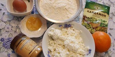 Творожные прянички с кардамоном и чай с монардой
