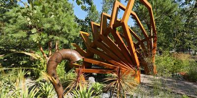 Праздник ландшафтного искусства. На ВДНХ начался фестиваль «Сады и люди»