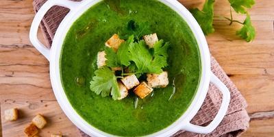 Крем-суп из крапивы со сливками и картофелем