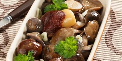 Соленые грибы ассорти