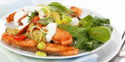 Рыбный салат с кабачком