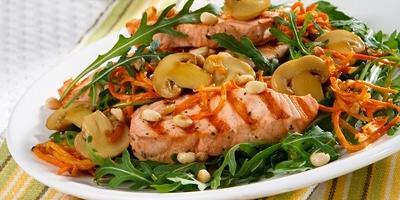 Салат с семгой и шампиньонами