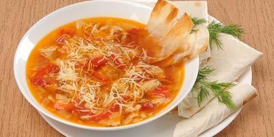 Куриный суп с овощами и лавашом