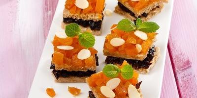 Хрустящие пирожные с сухофруктами