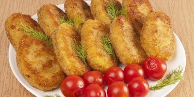 Картофельные котлеты с рисом и грибами