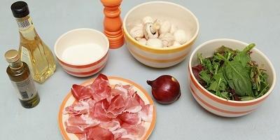 Салат со свежемаринованными шампиньонами