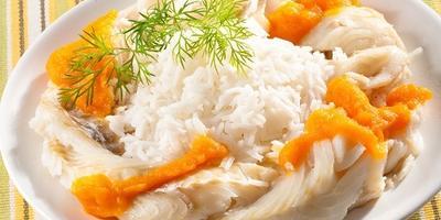 Плетенка из рыбного филе с овощным соусом