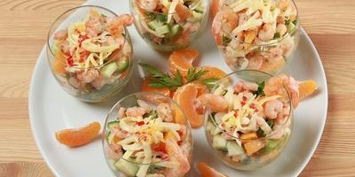 Салат с мандаринами и креветками
