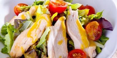 Салат с индейкой и каперсами