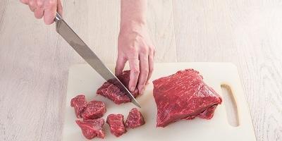 Тушеное мясо с кнедликами: ужин по-чешски