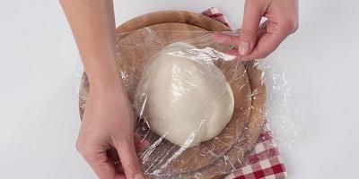 Кальцоне с двумя видами сыра: рецепт домашней пиццы