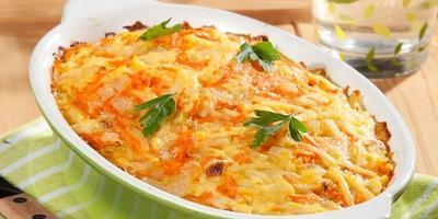 Рыбная запеканка с луком, морковью и картофелем: блюдо выходного дня для семьи