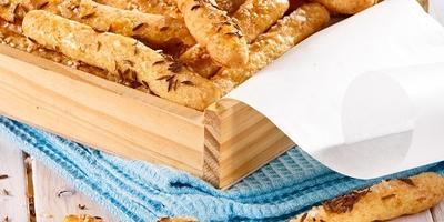 Ароматные и хрустящие сырные палочки для гурманов