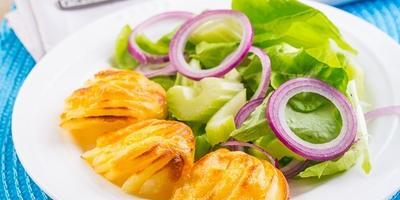 Запеченный картофель с сыром - ужин по-весеннему