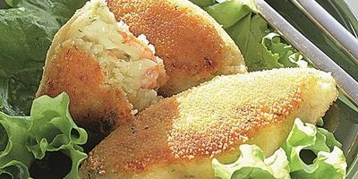 Картофельные зразы с начинкой из сыра и креветок - вам понравится!
