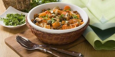 Сытное блюдо в холодный день - тушёная тыква с грибами