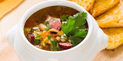 Густой суп с копченой колбаской. Вкуснее, чем солянка