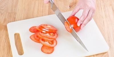 Очень простая закуска из помидоров