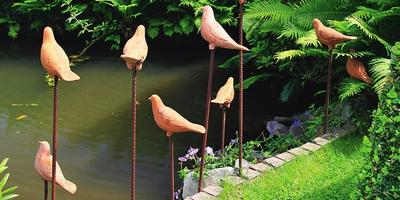 Волшебство обычных черепков: возможности керамики в дизайне сада