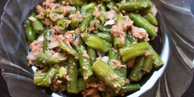 """Салат """"Фитнес"""" с зеленой фасолью и тунцом"""