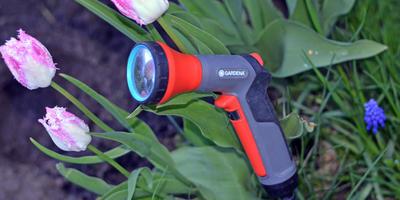 Пистолет-распылитель Gardena - нежный душ для растений