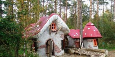 Построить сказочный домик для ребенка