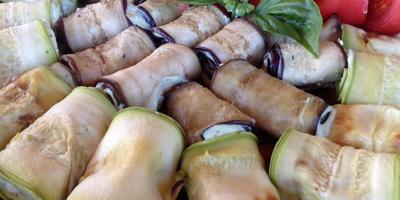 Рулетики из кабачков с сыром и зеленью