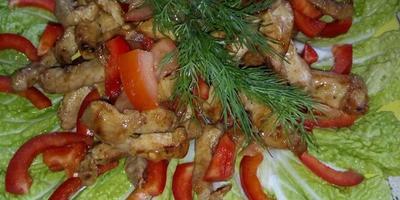 Салат с пряной говядиной и болгарским перцем