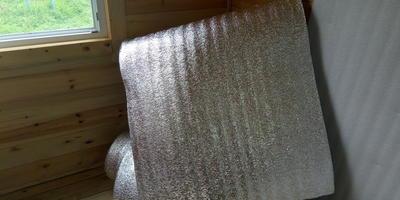Моя бытовка и я. Утепление летнего каркасного домика или бытовки изнутри вспененным полиэтиленом. Дёшево, быстро и эффективно